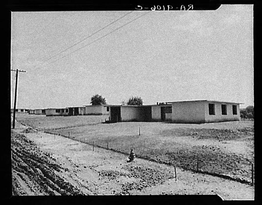 Kahn begins work on NJ Homesteads (Roosevelt, NJ) project with architect Alfred Kastner.